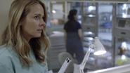 TG-Caps-1x02-rX-89-Caitlin