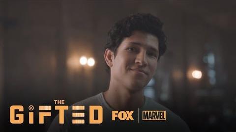 Wes Introduces Himself To Lauren Season 1 Ep