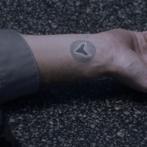 TG-Caps-1x04-eXit-strategy-96-Pulse-tattoo.png