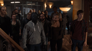 TG-Caps-1x05-boXed-in-35-Shatter-Lauren-Andy