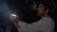 TG-Caps-1x03-eXodus-06-Eclipse-solar-light-photons