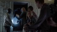 TG-Caps-1x13-X-roads-90-Shatter-Mark-Caitlin