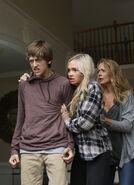 TG-Promo-1x03-eXodus-17-Andy-Lauren-Caitlin