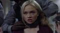 TG-Caps-1x09-outfoX-152-Lauren-collar