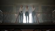 TG-Caps-1x11-3-X-1-35-Phoebe-Esme-Sophie