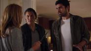 TG-Caps-1x03-eXodus-91-Caitlin-Thunderbird-Eclipse-knife