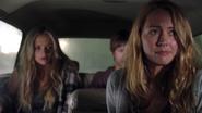 TG-Caps-1x03-eXodus-123-Caitlin-Lauren-Andy