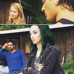 BTS 1x05 Boxed In Amy Acker, Blair Redford, Emma Dumont and Sean Teale.jpg
