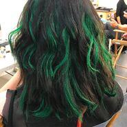 BTS Emma Dumont green hair