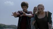 TG-Caps-1x04-eXit-strategy-68-Andy-Lauren-Caitlin-destructive-abilities-force-fields