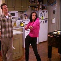 5x04 Monica dance.jpg