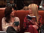 Phoebe & Monica (8x17)