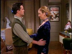5x14 Chandler Phoebe awkward.jpg