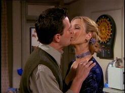 5x14 Awkward kiss