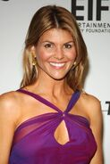Saks-Fifth-Avenue-s-Unforgettable-lori-loughlin-26069203-1707-2560