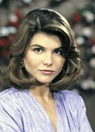 Lori-loughlin-1989-full-house-w352