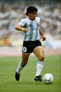 Diego-maradona g 1883021i.jpg
