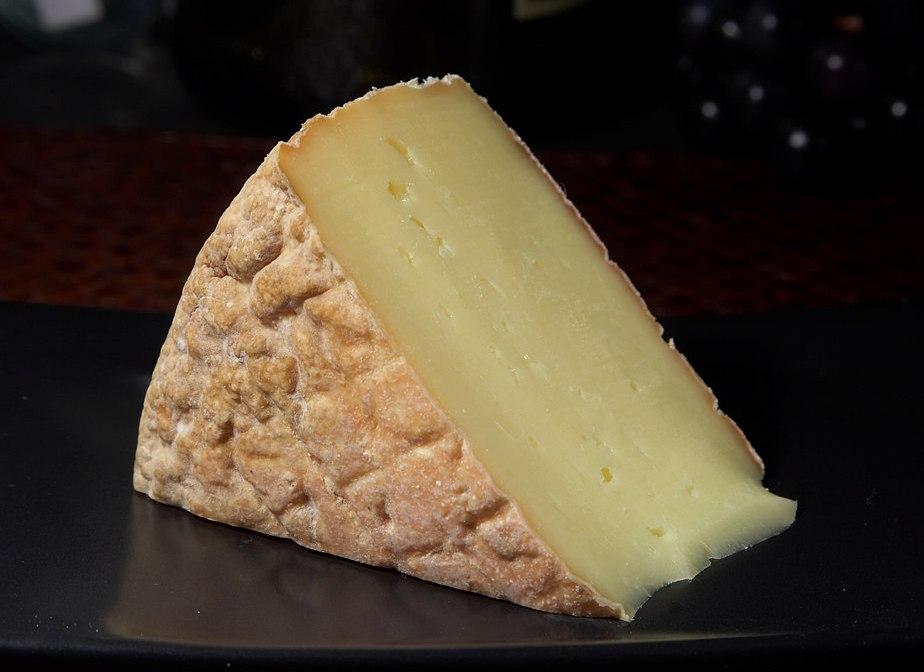 Cheese 61 bg 080106.jpg