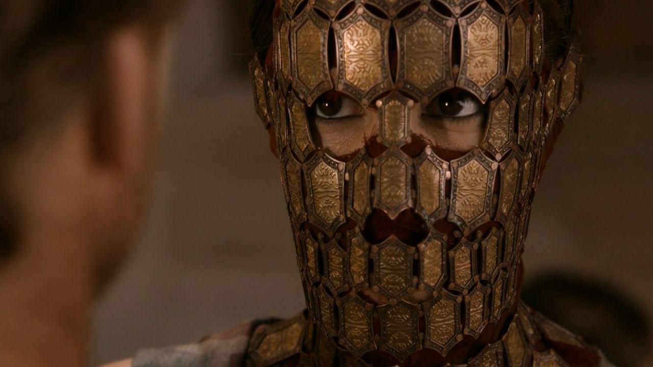Quaithe regarde Jorah droit dans les yeux.jpg