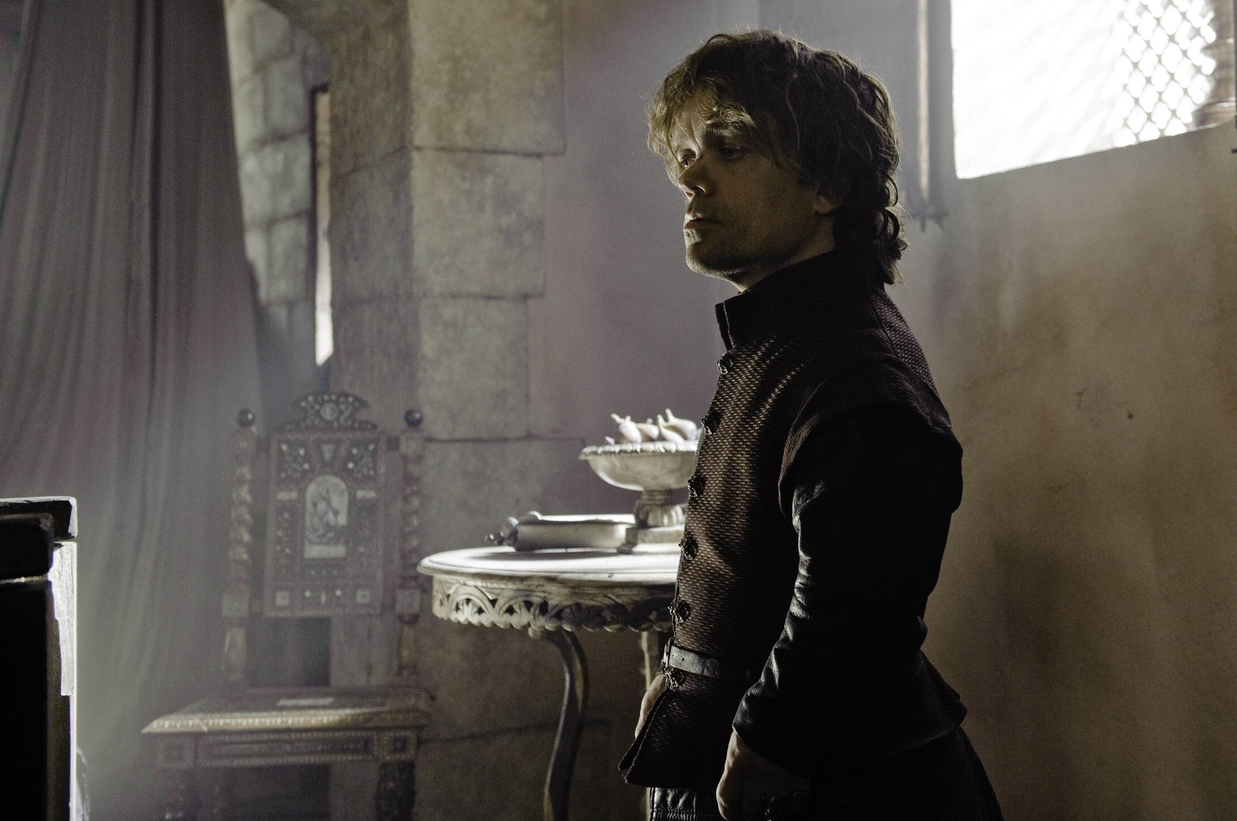 And Now His Watch Is Ended 3x04 (2).jpg
