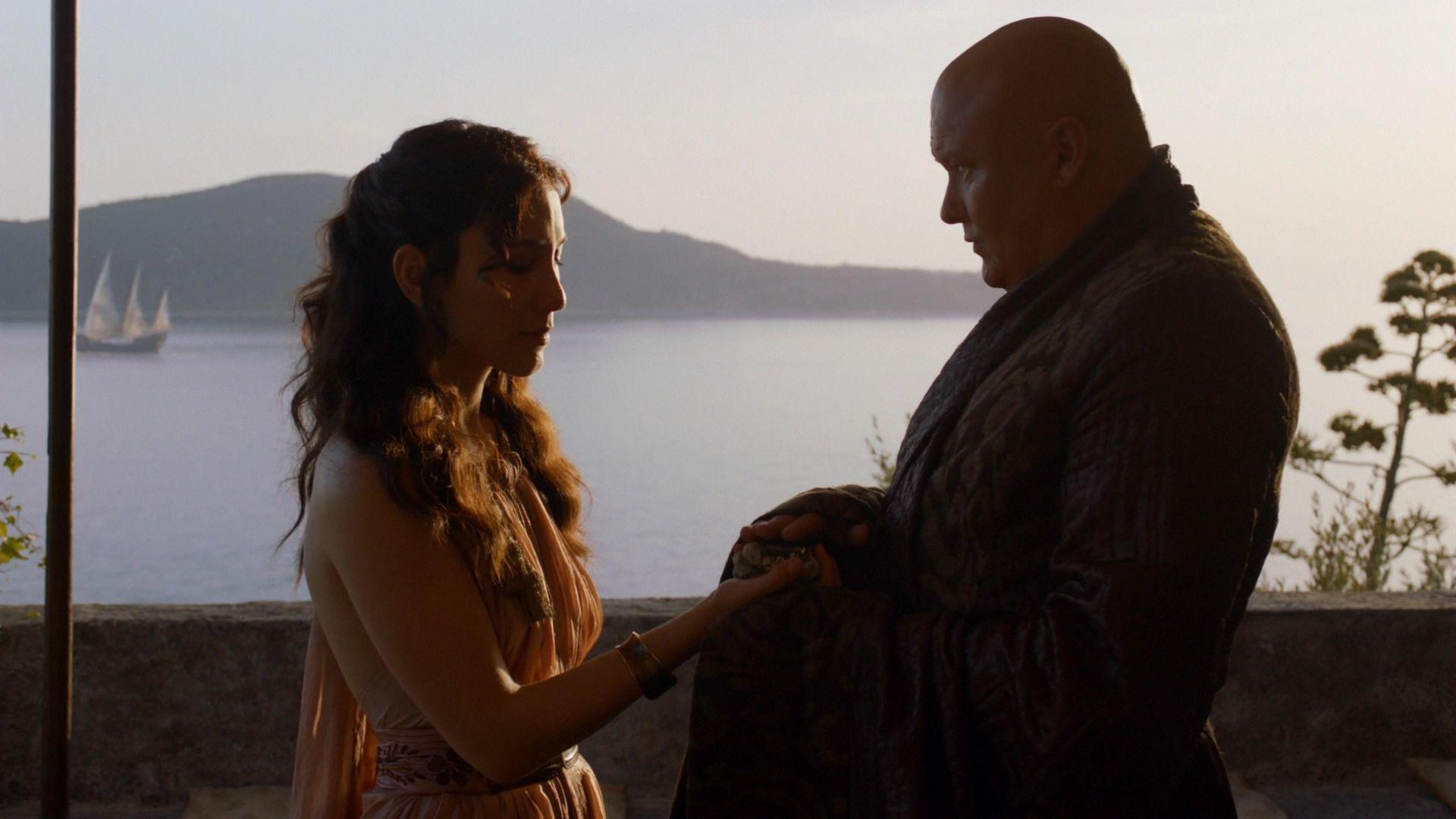 Varys donne à Shae des diamants.jpg