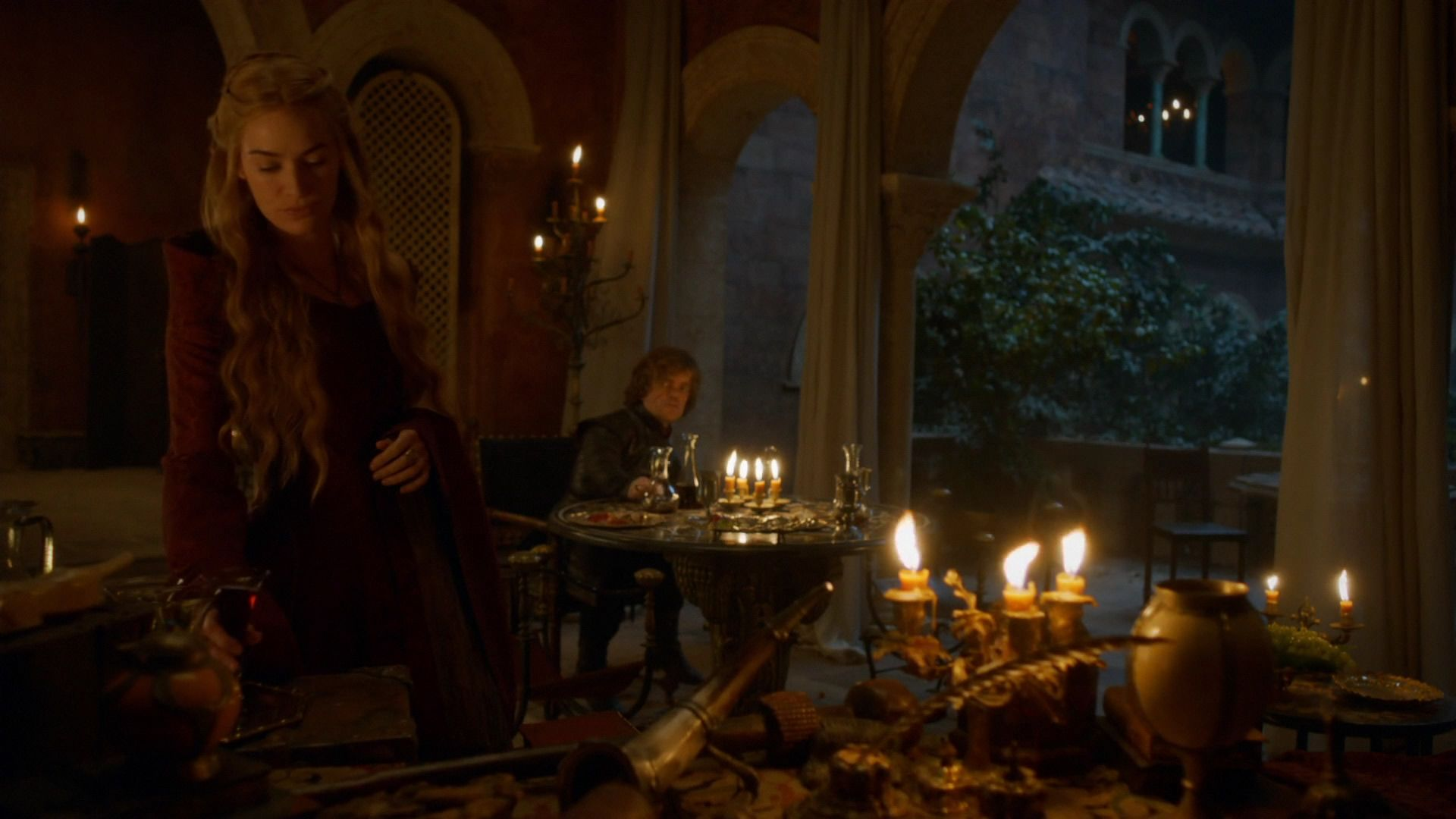 Cersei discute avec Tyrion (3x10).jpg