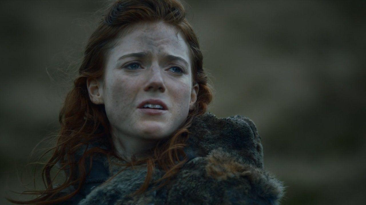 Ygrid pleure en voyant son amant s'éloigner.jpg