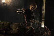 Cersei pouring wine in unellas face