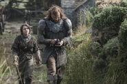 Maisie-Williams-as-Arya-Stark-Rory-McCann-as-Sandor-The-Hound-Clegane photo-Helen-Sloan HBO-