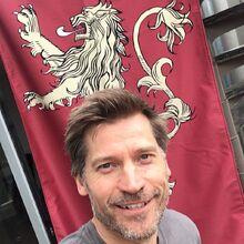 Nikolaj und das Lennister-Wappen.jpg