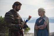 401 ZweiSchwerter Daario Naharis Daenerys Targaryen