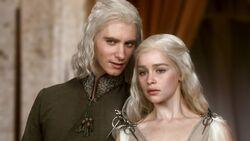 101 Viserys redet mit Daenerys.jpg