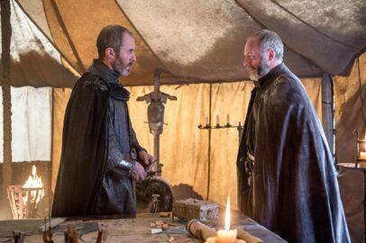 507 Davos versucht Stannis zur Umkehr zu bewegen
