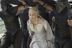 502 Daenerys Unbefleckte.jpg