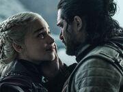 Game-of-thrones-season-8-episode-6-jon-holds-daenerys.jpg