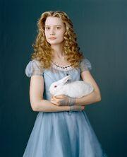 Alice-alice-kingsleigh-30354242-1178-1450.jpg