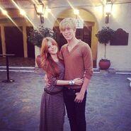 Bella-thorne-with-boyfriend-LOVE