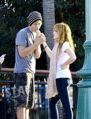 Bella-thorne-boyfriend-ice-cream