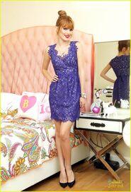 Bella-thorne-floral-blue-dress-bedroom-photoshoot-(2)