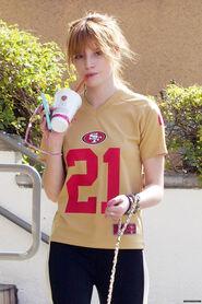 Bella-thorne-21shirt