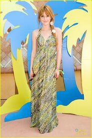 Bella-thorne-summer-dress-daisies-in-hair