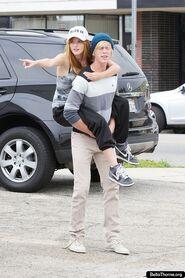 Bella-thorne-Bristan-piggyback-ride