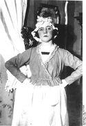 Bundesarchiv Bild 183-R18067, Claire Waldoff in Drei alte Schachteln