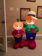 Gemmy inflatable scarecrow couple