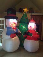 Gemmy inflatable caroling snowmen scene