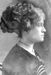 Lelia Belle Hebbard Lindauer circa 1910.jpg