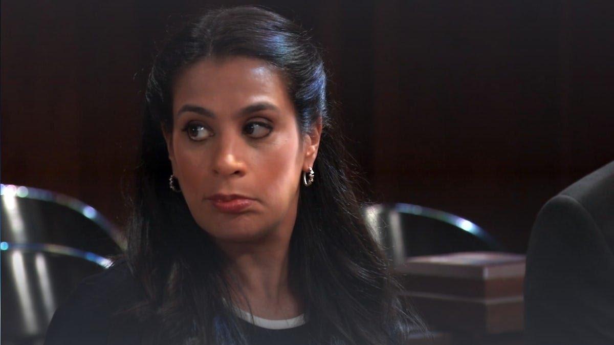 Zahra Amir (Maysoon Zayid)