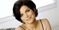 Lois Cerullo (Rena Sofer)