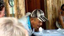 """ORIGINAL_Turkish_man_yelling_""""meow""""_at_an_egg"""