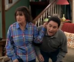 Ep 6x11 - Benny threatens to rip off Ernie's ear.png